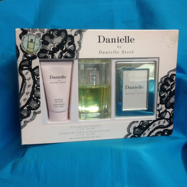 Danielle by Danielle Steel 3 pc gift set for women