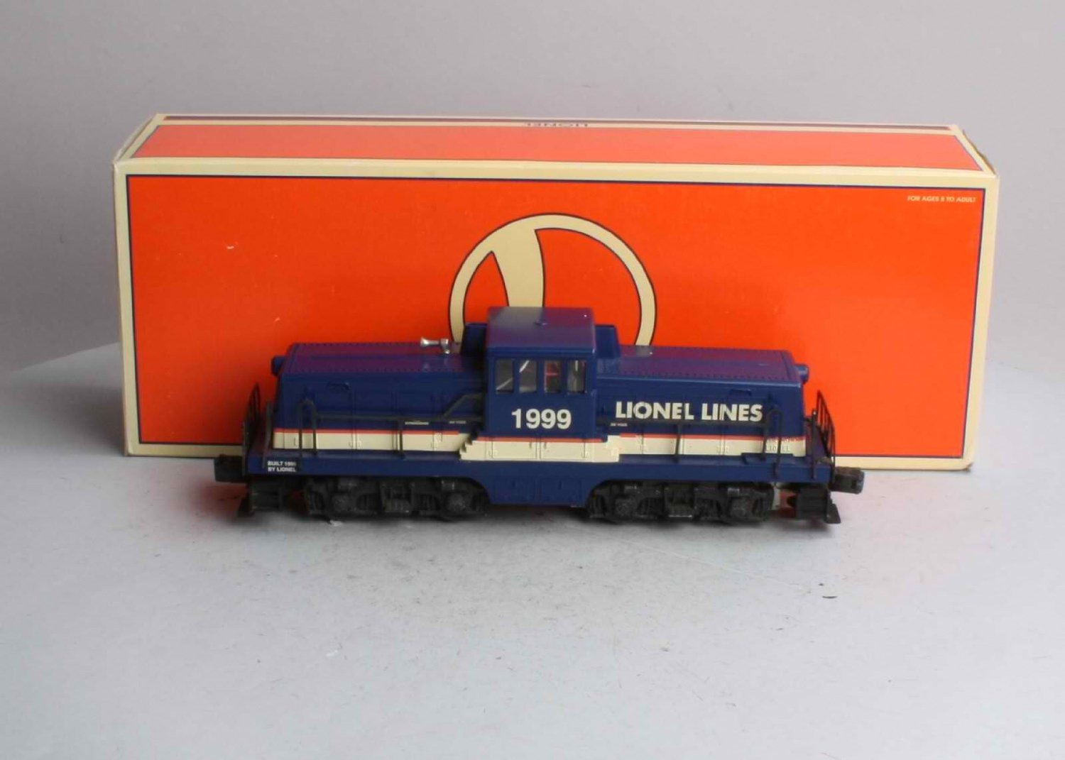 Lionel 6-28801 Lionel Lines 44 Ton Center Cab Switcher