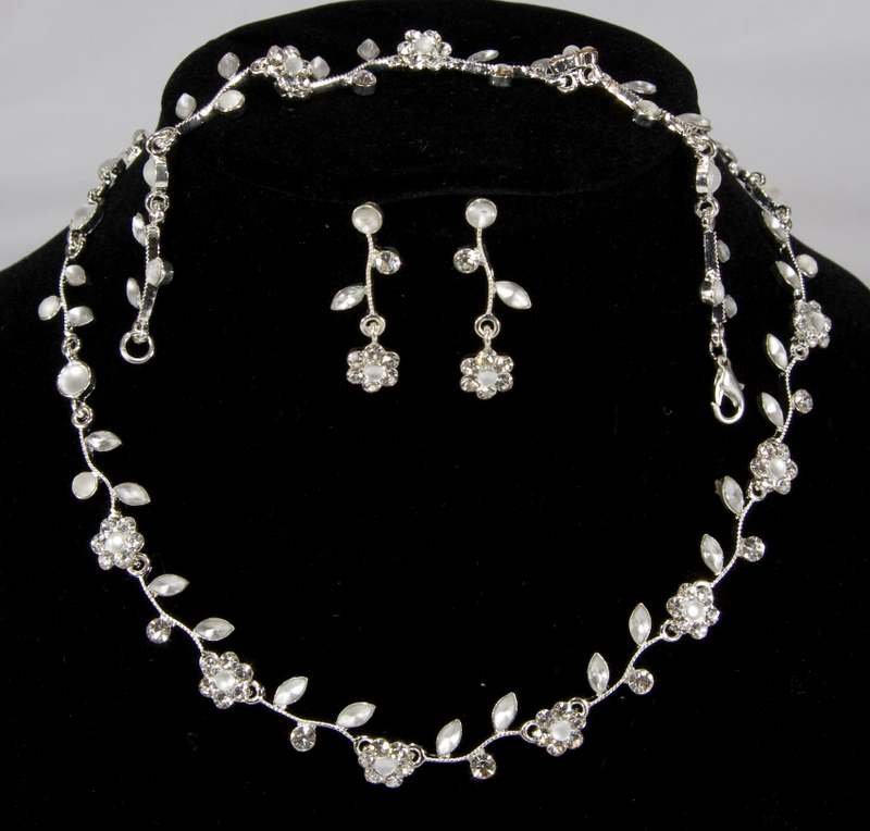 Swarovski Crystal Necklace, Bracelet, & Earring Set