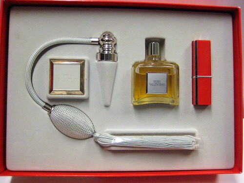 Very Valentino by Valentino 3 piece gift set for women