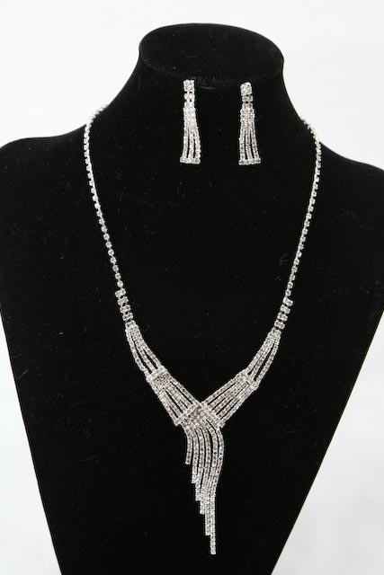 Swarovski Crystal Necklace Earrings Set